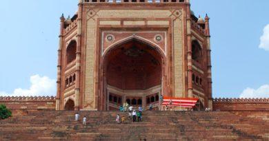 Buland Darwaza | Fatehpur Sikri | History | Fact | Design and Visiting Time