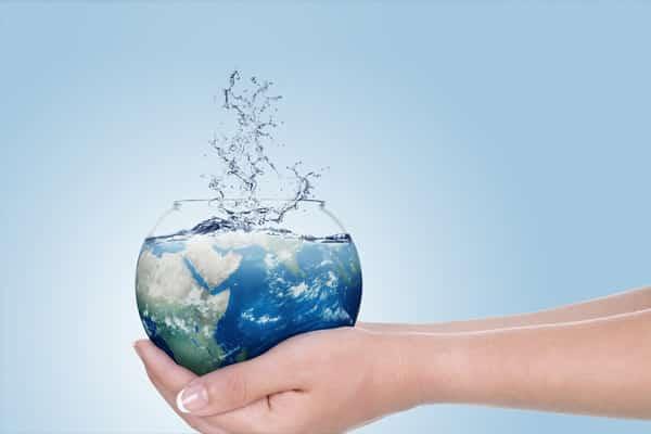 essay on wastage of water Advertisements: जल संरक्षण की चुनौती पर निबंध | essay on the challenge of water conservation in hindi आज पूरे भारत में पानी की कमी पिछले 30-40 साल की तुलना में तीन गुणा हो गयी है.